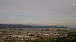 雲の隙間から富士山が