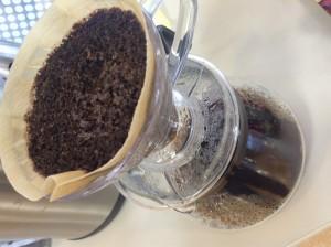 じつは本格的にコーヒーを落としています