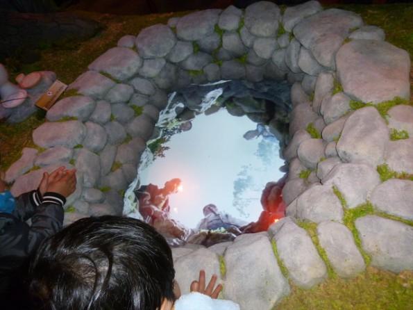 井伊谷の井戸端セット、覗き込むと何かが起こりますよ!